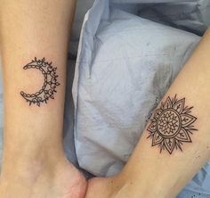 most beautiful sun and moon tattoo ideas 1 Piercings, Piercing Tattoo, Bull Tattoos, Body Art Tattoos, Tatoos, Best Friend Tattoos, Sister Tattoos, Bestie Tattoo, Tattoos Familie