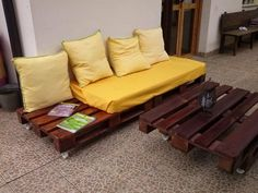 Ideas de sofas con palets Outdoor Furniture, Outdoor Decor, Recycling, Bench, Palette, Cool Stuff, Storage, Diy, House
