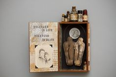 Apothekenkiste von Mar Goman Source by The post Apothekenkiste von Mar Goman appeared first on Pin This. Alchemy Art, Shadow Box, Altered Art, Diorama, Mixed Media, Arts And Crafts, Collage, Assemblages, Pharmacy