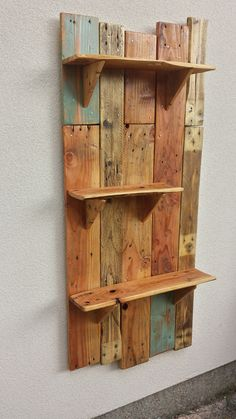 Rustic hanging shelves for the garden #Pallets, #Recycled, #Shelf maybe for the side of the house/fence with potted herbs??