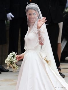 Kate Middleton Alexander Mcqueen Sarah Burton Wedding Dress Royal High Res Wedding | Kate Middleton Photo | marchall | Fans Share Images