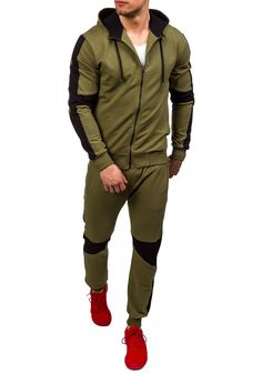 Green men's tracksuit Bolf Athletic Outfits, Athletic Wear, Champion Clothing, Casual Outfits, Men Casual, Track Suit Men, Men Closet, Tracksuit Bottoms, Gym Style