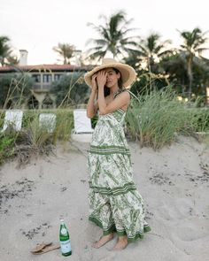 Green Summer Dresses, Summer Outfits, Beach Outfits, Floppy Sun Hats, Bungalow, Outfit Of The Day, What To Wear, Fashion Beauty, Ootd