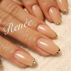 シンプルは基本♡の画像 | 大阪 梅田 ☆nailsalon Renée☆ 埜藤… May Nails, Hair And Nails, Nude Nails, Nail Manicure, Coffin Nails, Japanese Nail Art, Funky Nails, Minimalist Nails, Nail Games
