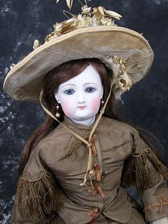 Magnificent antique french fashion poupee doll 1870