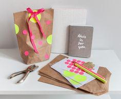 Easypeasy gift wrapping idea www.ohhhmhhh.de