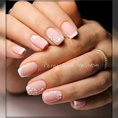 Semi-permanent varnish, false nails, patches: which manicure to choose? - My Nails Love Nails, Pink Nails, Pretty Nails, My Nails, Nail Deco, Bride Nails, Nagellack Trends, Wedding Nails Design, Neutral Nails