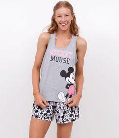 Short doll feminino    Com estampa da Mickey Mouse    Short estampado    Marca: Disney    Tecido: meia malha    Modelo veste tamanho: P             Medidas da modelo:         Altura: 1.72    Busto: 78    Cintura: 59    Quadril: 91    Manequim: 36             COLEÇÃO VERÃO 2017             Veja outras opções de    pijamas femininos.