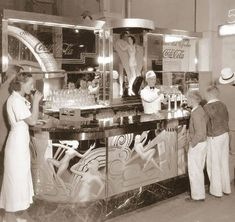 Streamline Deco Coca Cola Soda Fountain with etched mirrors Vintage Diner, Vintage Ads, Vintage Photos, 50s Diner, Vintage Stores, Vintage Photographs, Coca Cola, Art Nouveau, Retail Signs
