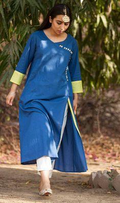 Best 12 Kai Blue Cotton Kurta and White Pants Plain Kurti Designs, Kurta Patterns, Girl Dress Patterns, Sewing Patterns, Churidar Designs, Indian Designer Suits, Designer Dresses, Designer Kurtis, How To Look Classy