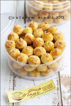 Nastart or Indonesian Pineapple cookie.