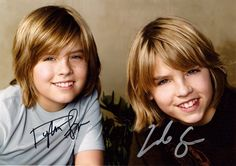 Dylan and Cole Sprouse Wallpaper HD Cole Sprouse Haircut, Cole Sprouse Shirtless, Cole Sprouse Hot, Cole Sprouse Funny, Dylan Sprouse, Lili Reinhart, Dylan O'brien, Dylan And Cole, Xavier Rudd