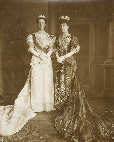 antique-royals: Queen Victoria of Sweden and Queen Alexandra of United Kingdom