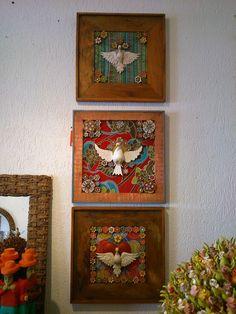 Sou uma apaixonada por Divinos. Fui pesquisar modelos para dar ideia a quem procura o seu.   Se tiver um e queira nos mostrar, publique ... Faith Crafts, Diy And Crafts, Arts And Crafts, Home Altar, Arte Popular, Sacred Art, Religious Art, Handicraft, Altered Art