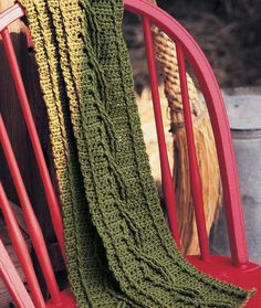 Learn crochet cables with this crochet scarf. Starter Scarf from Knitting Daily TV Episode 410 - Media - Crochet Me Crochet Motifs, Easy Crochet Patterns, Crochet Shawl, Crochet Stitches, Free Crochet, Scarf Patterns, Ravelry Crochet, Knit Crochet, Crochet Cable Stitch