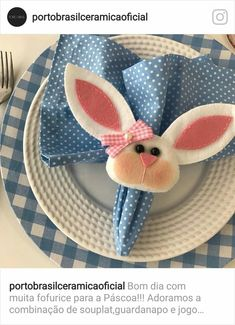 Pascoa Felt Crafts, Diy And Crafts, Crafts For Kids, Sewing Crafts, Sewing Projects, Projects To Try, Easter Bunny, Easter Eggs, Table Setting Etiquette