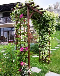 Front Yard Landscaping Ideas on a Budget - Die Kombination aus erlesenen Pflanzen Front Garden Landscape, Garden Arches, Front Yard Landscaping, Backyard Patio, Garden Paths, Landscape Design, Landscaping Ideas, Outdoor Pergola, Garden Sheds