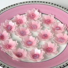 > > > Wicksteads ******* Eat Me **** Edible Cherry Blossom 3D Flowers in a Soft Pink Japanese Cherry Blossom Colour with Soft Lavender Sugar Crystal