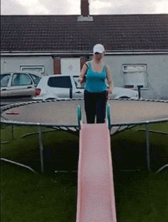 Jumping from a trampoline on a slide fail