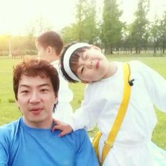 Embedded image Song Triplets, Korean Shows, Happy Family, Art Girl, Superman, Brother, Graphic Design, Songs, Random