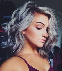 Silver gray ombre hair color ideas for short hair managed to supplant the burning red, cold blue and extravagant purple hair dye. This shade is quite, Hair Color Grey Hair Color Dye, Grey Ombre Hair, Grey Curly Hair, Grey Wig, Hair Dye Colors, Cool Hair Color, Curly Hair Styles, Ombre Bob, Gray Purple Hair