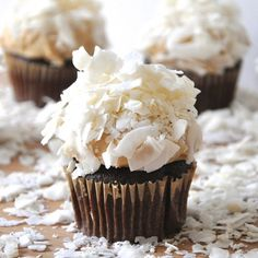 The Tolerant Vegan brings us this recipe for Chocolate Peanut Butter Coconut Cupcakes made with Earth Balance®!