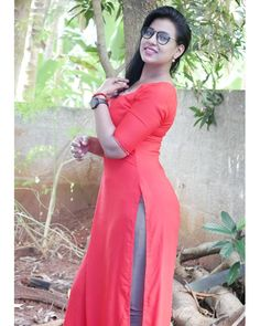 Beautiful Girl In India, Beautiful Girl Photo, Beautiful Saree, Beautiful Asian Women, Beautiful Bollywood Actress, Most Beautiful Indian Actress, Beauty Full Girl, Beauty Women, Saree Wearing Styles