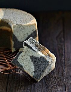As the name suggests, this black sesame marble chiffon cake has a hint and gentle fragrance of black sesame with a light cottony texture.