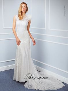 Visit the official Blumarine ® online store to see the latest fashionable looks. From apparel, accessories and shoes. Wedding Pics, Wedding Blog, Formal Dresses, Wedding Dresses, Bride, Couture, Shopping, Collection, Primavera Estate