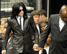 My man Michael is always supremely Sexy...no matter when or what for. MJ sizzles at James Brown's funeral Dec. 30th, 2006