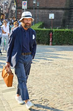 "toquote: "" Streetstyle Pitti Uomo, Carlos Castillo over at Man 1924… """
