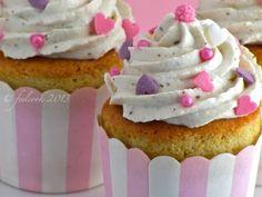 Ricetta Cupcake alla vaniglia, Molto facile, Dessert