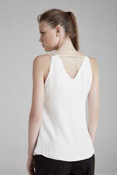 V Yaka Bluz - Giyim Koleksiyonu - adL 82a3ebf0a32a7