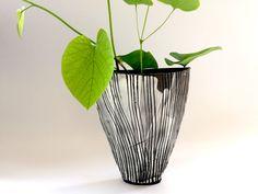 Tulpenform Silke-Freitag.de Keramik Design, Form, Glass Vase, Ceramics, Home Decor, Tulips, Ceramica, Pottery, Decoration Home