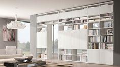 Libreria bifacciale componibile Systema-B. Libreria moderna su misura da posizionare a centrostanza come parete divisoria friubile da entrambe i lati.