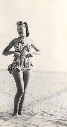 cigarette girl beachwear by carbonated. 40s Mode, Retro Mode, Vintage Mode, Vintage Ladies, Vintage Bathing Suits, Vintage Swimsuits, 50s Bathing Suit, Vintage Bikini, 1940s Fashion