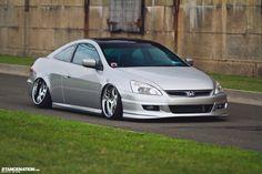http://jaydawg808.hubpages.com/hub/Stanced-Honda-Accord