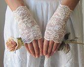 Wedding Gloves, IVORY, lace wedding accessory, fingerless gloves, bridal accessory