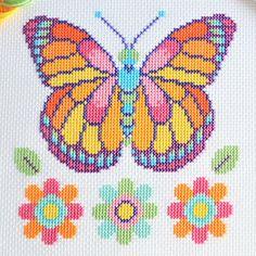 Cross Stitch Owl, Free Cross Stitch Charts, Cross Stitch For Kids, Butterfly Cross Stitch, Cross Stitch Needles, Cross Stitch Cards, Cross Stitch Animals, Cross Stitch Flowers, Modern Cross Stitch