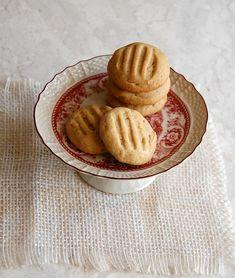 English version      Tenho feito biscoitos feito doida ultimamente, acho até que dá pra dizer que se tornou um vício: toda vez que vejo uma ...