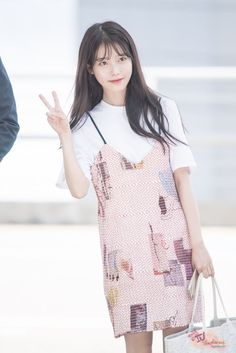 IU — creds to owners Iu Fashion, Korean Street Fashion, Urban Fashion, Fashion Models, Kpop Girl Groups, Kpop Girls, Asian Woman, Asian Girl, Korean Celebrities