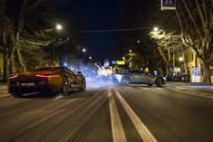 It's James Bond's Aston Martin up against Mr Hinx's Jaguar on the streets of Rome in this latest behind-the-scenes video for the upcoming SPECTRE movie. 007 Contra Spectre, Spectre Movie, Spectre 2015, 007 Spectre, Aston Martin Db10, James Bond Cars, New James Bond, James Bond Movies, Cars
