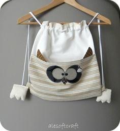 Buonasera amici!   Anche oggi vi voglio mostrare ancora due nuove baby-bag !   Ci ho preso gusto, si è capito, e stavolta ho voluto realizz...