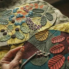 Trendy Ideas Hand Quilting Fiber ArtYou can find Fiber art and more on our Trendy Ideas Hand Quilting Fiber Art Fabric Art, Fabric Crafts, Sewing Crafts, Sewing Projects, Felt Embroidery, Embroidery Stitches, Embroidery Patterns, Quilt Patterns, Wool Applique