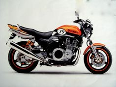 Yamaha Motorcycles, Custom Motorcycles, Cars And Motorcycles, Custom Street Bikes, Custom Bikes, Ninja Bike, Motorcross Bike, Xjr 1300, Moto Bike
