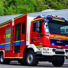 #design112 #design #112 #Feuerwehr #Freiberg #Neckar #LF20 #Logistik #MAN #TGM #Lentner #Beklebung #Folierung #Konturmarkierung #Warnmarkierung #Blaulicht #firefighter #potd
