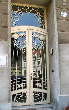 decoarchitecture:    Doorway, Vienna, Austriaby wienertueren  Another set of amazing Art Nouveau doors. This is Hütteldorfer Straße 124.