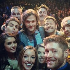 Oh look, it's the casts of SPN and Arrow playing Moose in the Middle.