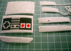 Plastic Canvas Nintendo DS case - retro NES controller