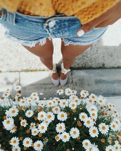 YES or NO??? 😍😍credit @sincerelyjules #americanstyle #wallpaper #duvarkagidi #telefon #bilgisayar #iphone #samsung #night #black #and #white #dream #earth #mars #new #last #poz #foto #fotograf #sunshine #sunset #summer #yaz #sun #lovely #peacefull #still #tarz #kombin #poz #vans #spring #fall #colors #motivasyon #motivation